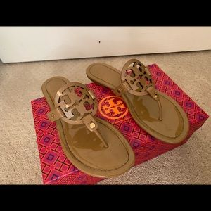 Glossy tan Tory Burch sandals